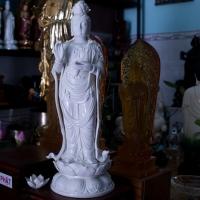 tuong-phat-ba-quan-am-men-su-dung-45cm-ttq1