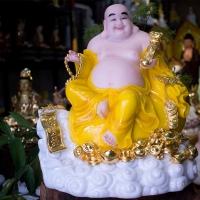 Tượng Phật Đẹp Di Lặc Bằng Bột Đá Khắc Chữ Ngũ Phúc Lâm Môn [Y Áo Vàng Size 40cm]1