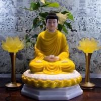 Tượng Phật Thích Ca Ngồi Đài Sen Dát 8 Cạnh Áo Vàng (Size 50cm)1