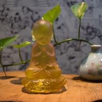 Tượng Chú Tiểu Đá Lưu Ly Ngồi Tự Tại 11.5cm3