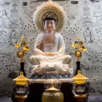 Tượng Phật Thích Ca Bột Đá (Cao 53cm-mẫu áo rũ, ngồi )1