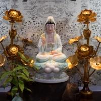 Tượng Quan Âm Bồ Tát Bột Đá Viền Vàng Cao Cấp 16inch(40cm)TTQ1