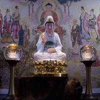 Tượng Mẹ Quan Âm Bồ Tát Bột Đá Ngọc Ngồi Đài Sen Dát Vàng 24k7