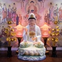 Tượng Phật Quan Âm Bột Đá Ngọc Vẽ Gấm 50cm1