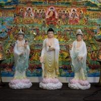 Tượng Phật Tam Thánh Vẽ Màu Khoáng Đứng 48cm1