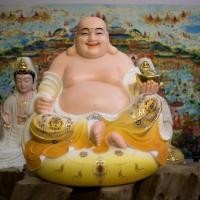 Tượng Phật Di Lặc Đài Loan Áo Vẽ Gấm Vàng Cao 39cm1